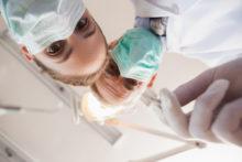 Assurance / Mutuelle Implants Dentaire :comment choisir la Meilleure pour Bénéficier de Remboursements Optimaux