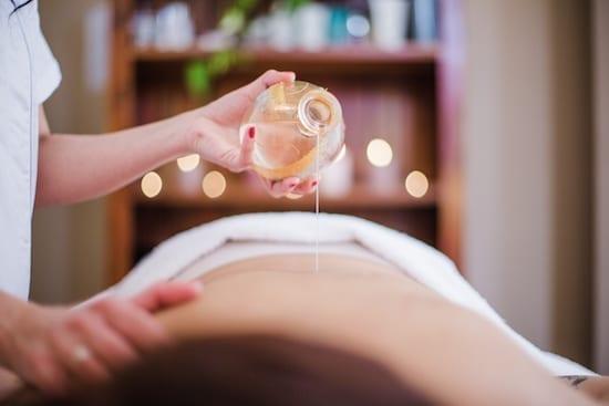 massage dos huile