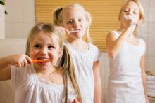 Bien choisir sa brosse à dents spéciale enfants