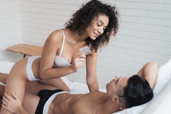 femme-homme-préservatif